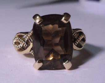 Lia Sophia Ring Smokey Quartz Gold Tone Band size 7.5