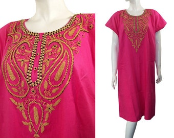 Vintage 1970s Ethnic Hot Pink Beaded Caftan Kaftan Dress Tunic Size Large