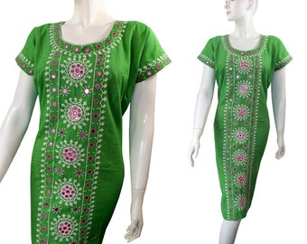Green Vintage 1970s Boho India Tunic Dress Mirrors & Embroidery Size Medium