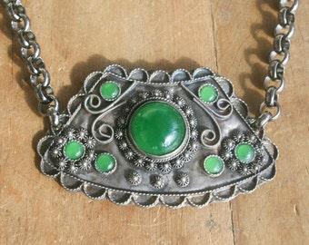 Vintage Etruscan Jade Gunmetal Necklace