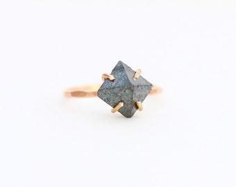 Magnesite Claw Ring