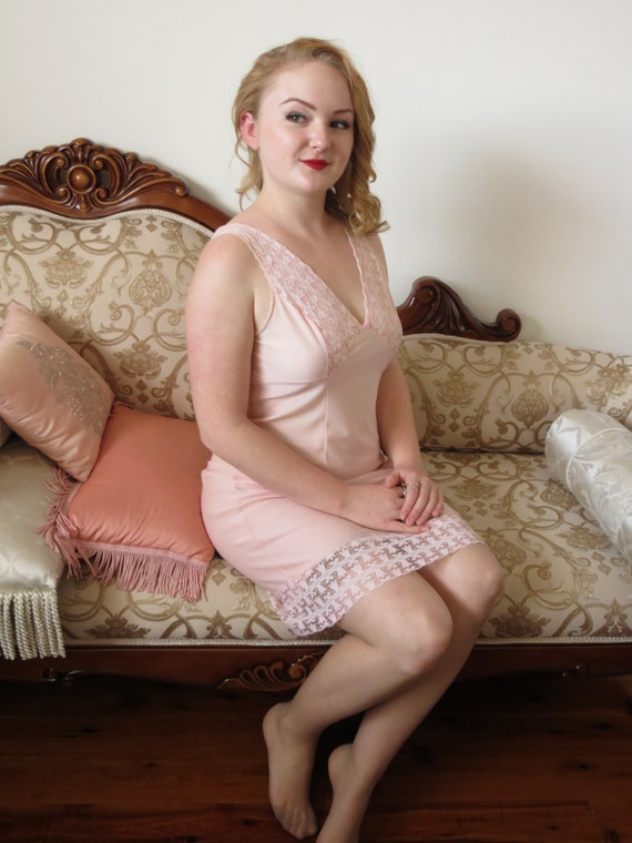 Vintage 60s Pale Peach Pink Sheer Nylon And Lace Sexy Nightie