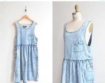 30% OFF STOREWIDE / SALE / Vintage 1980s Nicole Paris babydoll denim jumper dress