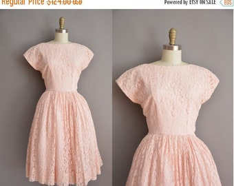 25% off SHOP SALE... 50s pink heavy lace full skirt vintage dress / vintage 1950s dress