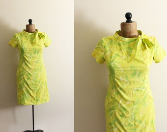 vintage dress 1960s lime green abstract print side ascot tie mod clothing size small s