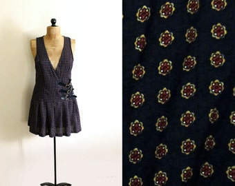 vintage jumper 90's preppy womens clothing navy blue medallion print 1990's size small s