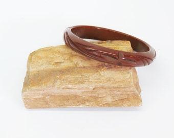 Bakelite Bangle Deep Carved Chocolate Brown Fall Fashions 1930s Jewelry