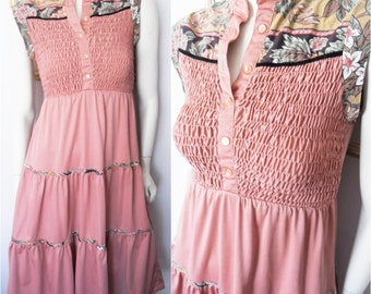 Vtg.70s Dusty Rose Pink Smocked Floral Print Asian Collar Dress by Jody T.Size S/M.Bust 32-38.Waist 27-32.
