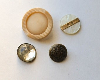 Buttons  Lot of 4 Vintage Buttons