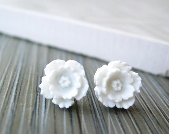 White Flower Post Earrings - Nickel Free Bridal Jewelry, Titanium Studs, Vintage Look, Resin, Acrylic