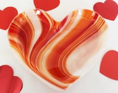 MEDIUM VALENTINE FUSED Glass - Heart Shaped Fused Glass Dish, Valentine Candy Dish, Valentine Gift for Her, Heart of Glass, Heart Candy Dish