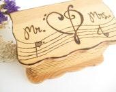 Music Wedding Ring Box, Mr. & Mrs. ring holder, Rustic Ring Box, Ring bearer, Engraved Wooden Box, Unique Wedding gift, PYROGRAPHY, Custom