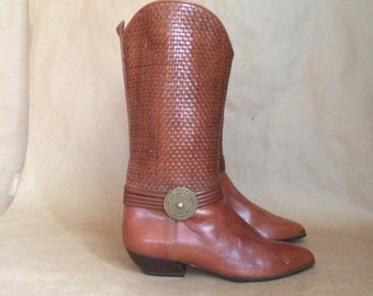 WEEKEND SALE! 90's vintage woven leather pull on boots / safari style / preppy retro / womens