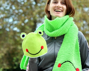 Knitted Set of Green Frog Scarf and Crochet Frog Hat, Funny Frog Outfit Scarf and Hat, Knitted and Crochet for Children, Knitted for Adults