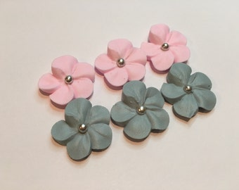 Lot of 100 Royal Icing Flowers w/ silver sugar balls for Cake Decorating