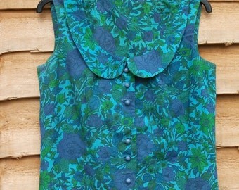 Vintage 1960's Fitted Sleevless Blouse Green Flowers