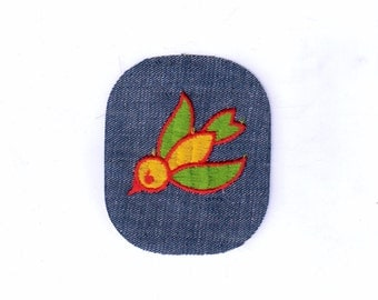 Retro Colorful Flying Bird Collectible Vintage Sewing Patch Applique