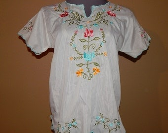 Lovely Sheer Peasant Embroidered Floral Top Blouse Bust 40 Size 14 or Size L