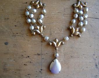 Vintage 1930s faux baroque pearl festoon necklace ∙ pearl drop festoon necklace