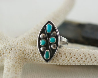 Vintage Native American Southwestern Sterling Silver Turquoise Ring US 6  .....6065