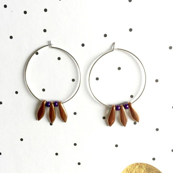 Hoop Earring, ear, circle, brass, nickel free, two sizes possibilities, oval, glass bead, brown pearly, purple seed bead, les perles rares