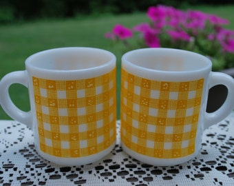 One Pair of HTF Anchor Hocking Gingham Sunshine Yellow Coffee Mugs, Excellent Condition.