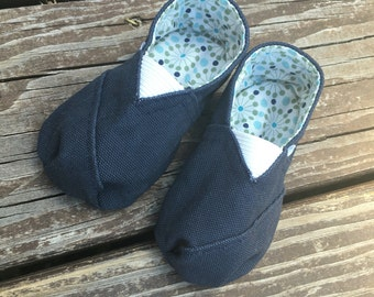 Canvas Baby Shoes, Size 12 Months