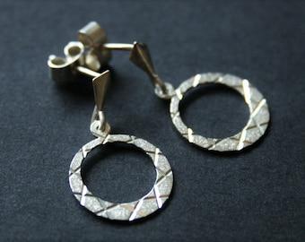 Vintage sterling silver earrings. Small hoop earrings.