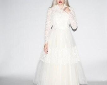 On SALE 25% Off ends 10th 1950s Wedding Dress  - Vintage Lace Wedding Dress - 50s Wedding Dress  - Vintage Prom Dress  - WD0293