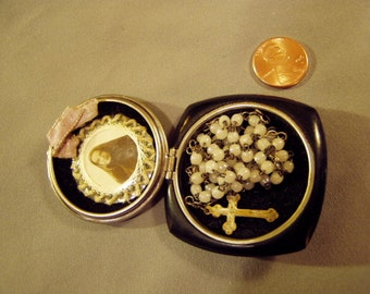 Vintage Catholic Relic Raiment of St Francis Xavier Cabrini In Case With Glass Bead Rosary France 8762