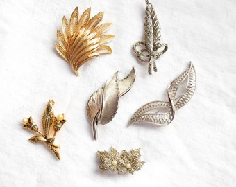 Vintage Costume Jewelry, 6 Brooches, Silver Tone, Gold Tone, Mixed Lot, Stylish, Props, Costume, 1950s Onwards