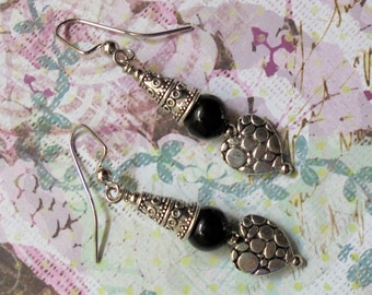 Black and Silver Heart Earrings (2456)