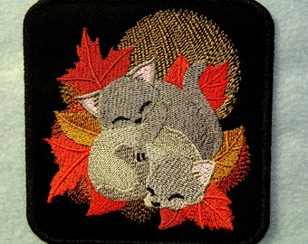 Fall Cuddle Kittens Iron on Patch