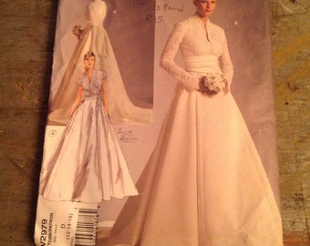 Vogue Wedding Dress Sewing Pattern V2979 Size D 12-14-16