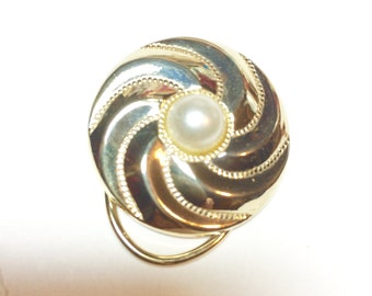 Scarf Clip Vintage Round Gold Tone Pinwheel Windmill Small Pearl Cabochon Metal Design