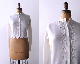 1950's cardigan. white. 50's large sweater. swirl. 50 pearl beaded cardigan. scalloped.