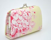 Floral in Cream yellow -  Mini Coin Purse / Cards holder / Kiss lock purse