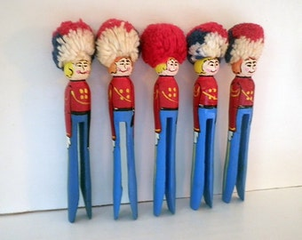 Vintage Wood Clothespin Toy Soldiers Handpainted Christmas Tree Ornaments (5)