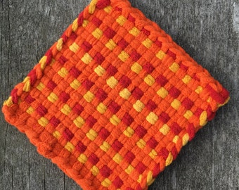 Orange red and yellow cotton loop pot holder, woven trivet, oven mitt, hot pad, small potholder, home decor, housewarming gift, decor gift