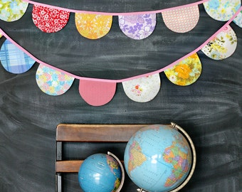 Scallop Bunting / Vintage Sheet Bunting Banner / Scallop Flag Garland /Baby Girl Vintage Nursery / Baby Shower / Tea Party / Wedding Decor