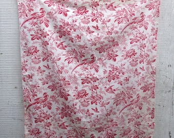Wonderful Vintage Piece of French Toile Fabric / Birds & Flowers