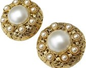 CHANEL Exquisite Mint Condition Decorative Faux Pearl Earrings