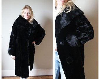 1930/40s Black fur coat with a huge beautiful collar