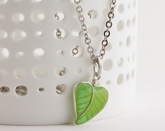 Necklace - Green Leaf