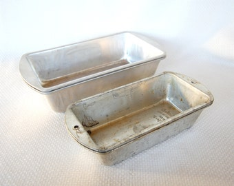 Choice of 4 Bake King Loaf Pans H2 Steel Pans And Or H822 Aluminum Loaf Pans from the King of Bakeware
