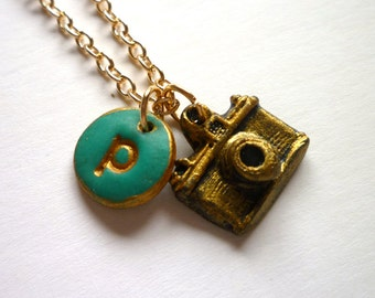Photo Camera Necklace, Personalized Gift for Photographers, Vintage Camera and Initial Charm, Photographer jewelry