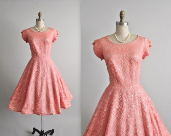 50's Lace Dress // Vintage 1950's Coral Metallic Lace Full Wedding Party Prom Dress L