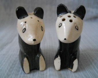 Bear Salt and Pepper Shakers - vintage, collectible, animal