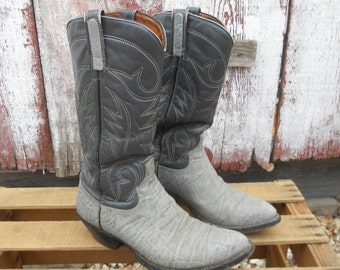 Vintage Elephant Embossed leather Cowboy boots by Brahma size 8.5 womans