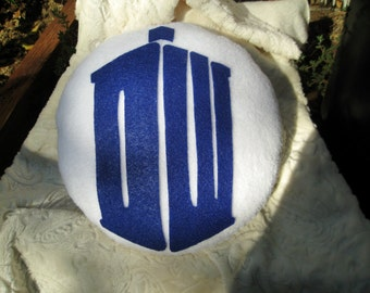 Doctor Who Pillow - round